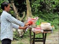 Sur la route de Pokhara, petit encas