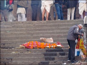 Varanasi - Ghat 'Manikarnika' (ou burning ghat)