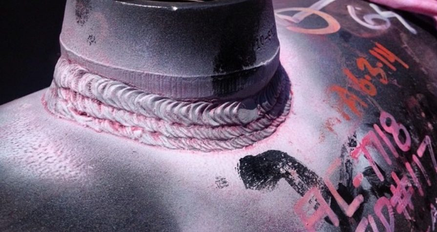 Does using aged penetrant materials reduce the likelihood of detecting fatigue cracks?