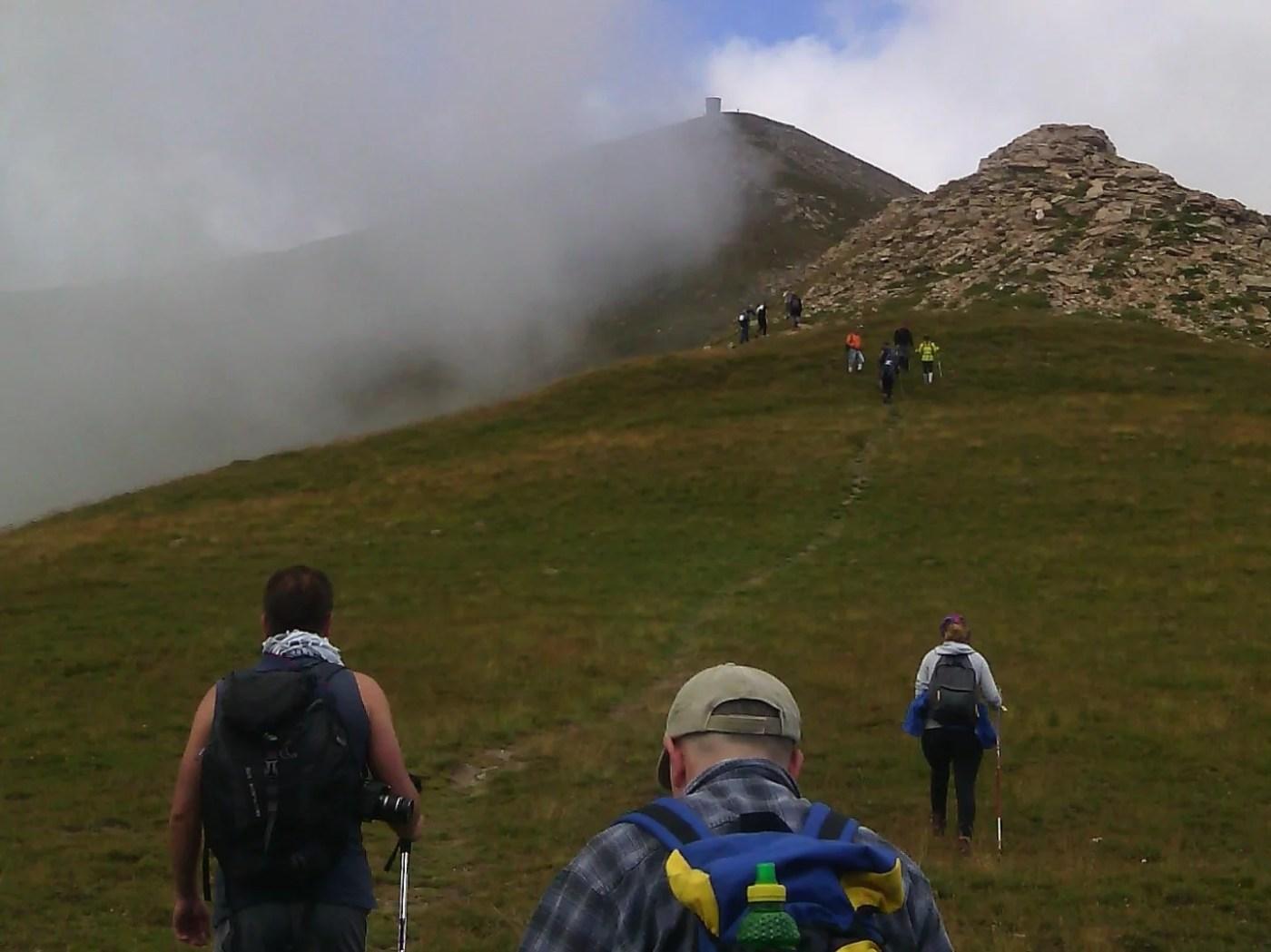 Планинари од Балканот се искачија на Титов Врв | Meta.mk