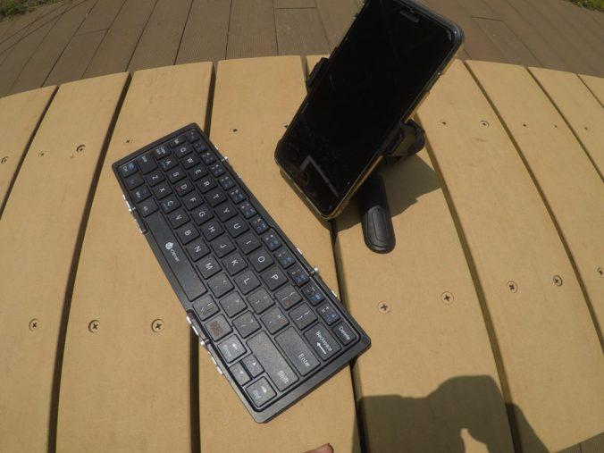 折畳みキーボードと相性も良い