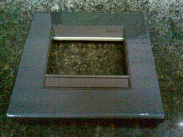 Placa 4x4 grafite BTICINO FORMA  METAIS FORA DE LINHA