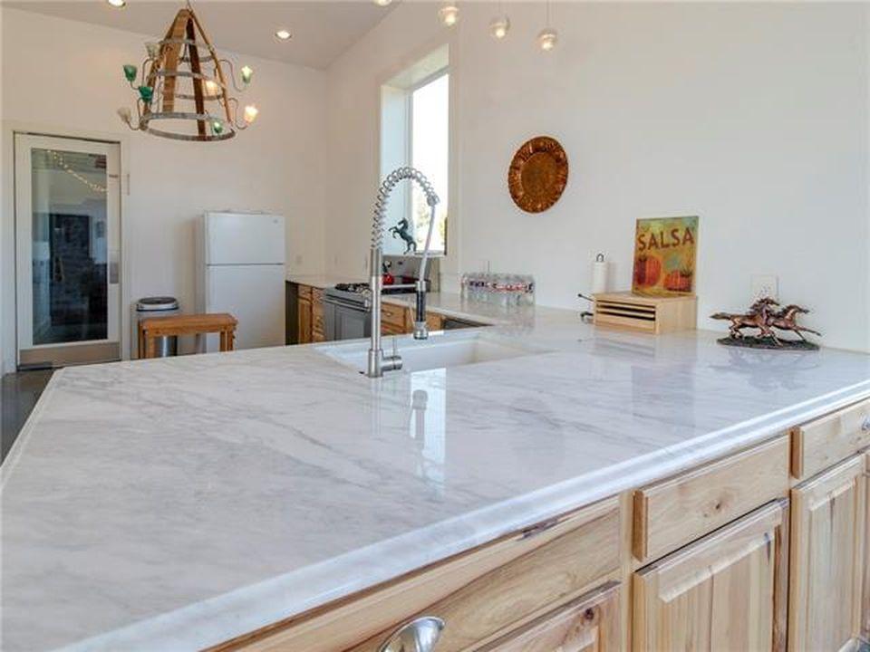 Rockwell TX 4600 sq ft  12 acre Barndominium For Sale  MetalBuildingHomesorg