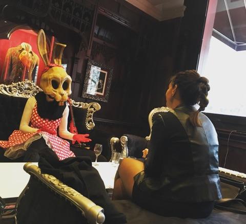 Bunny Bones et Lucinda au Hard rock café en 2019