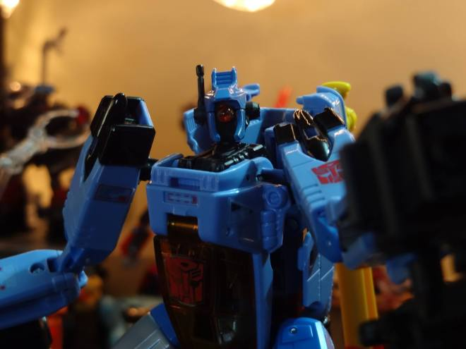 Transformers Whirl chest autobot symbol