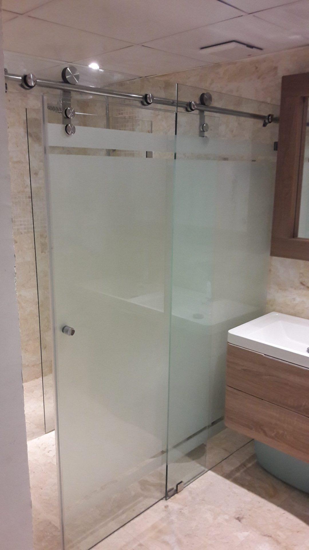 Mampara de baño deslizante