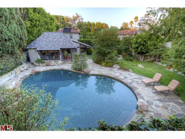 Rob Zombie home pool