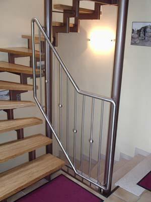 treppenhausgel nder bestehend aus zwei stahls ulen metallbau haus schlosserei markisen. Black Bedroom Furniture Sets. Home Design Ideas