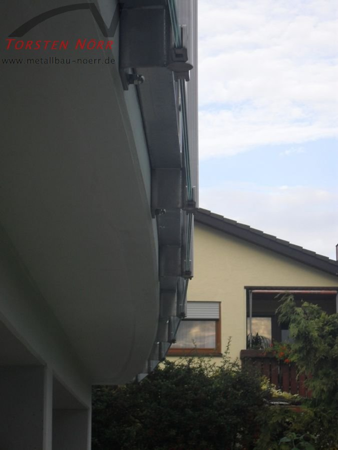 Balkongelnder Milchglas  Torsten Nrr Schlosserei  Metallbau