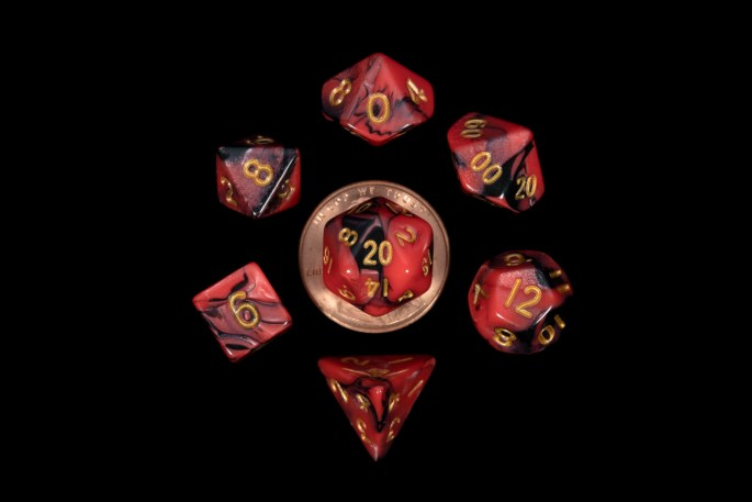 Black and Red Marble with Gold Numbers 16mm Mini Poly Dice Set