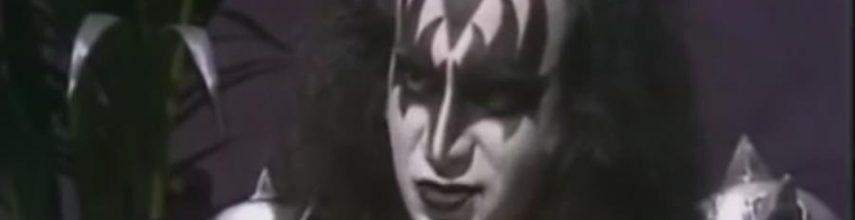 """Gene Simmons TV:lle 1982: """"Emme aio koskaan esiintyä ilman meikkejä"""""""