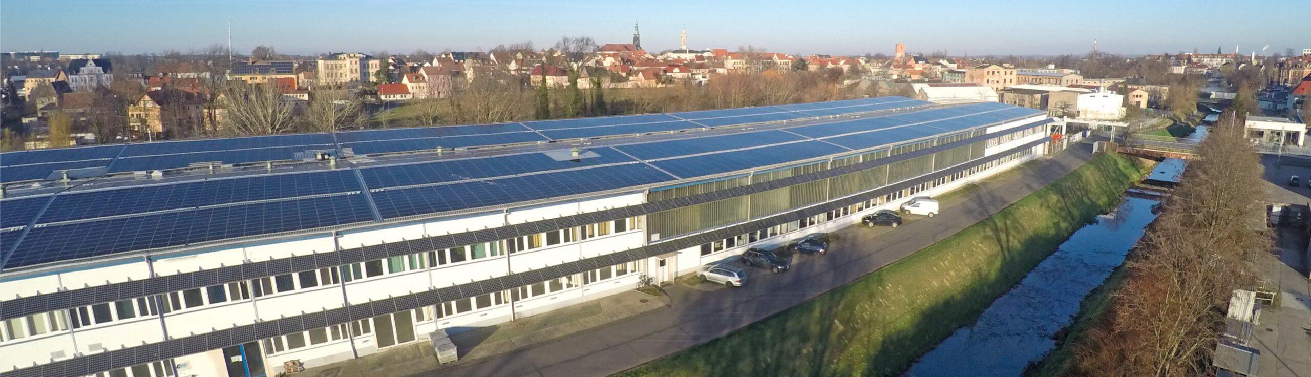 Luftansicht auf das Gebäude der Metalltechnik Großenhain