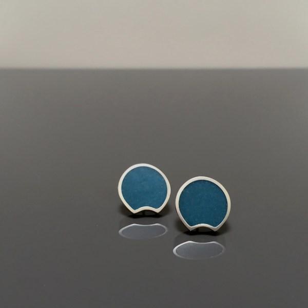 BLUE BERRY post earrings