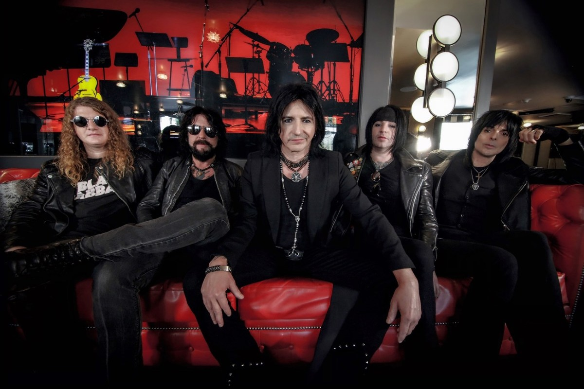 Album Review :LA GUNS / THE DEVIL YOU KNOW