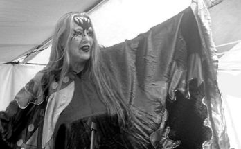 Stacia Blake of Hawkwind returns to the stage.