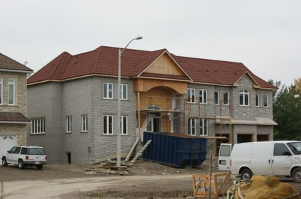 Here is another look at the steel continental tile on this Ontario home.