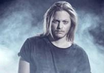 Jonas Wolf - Guitar