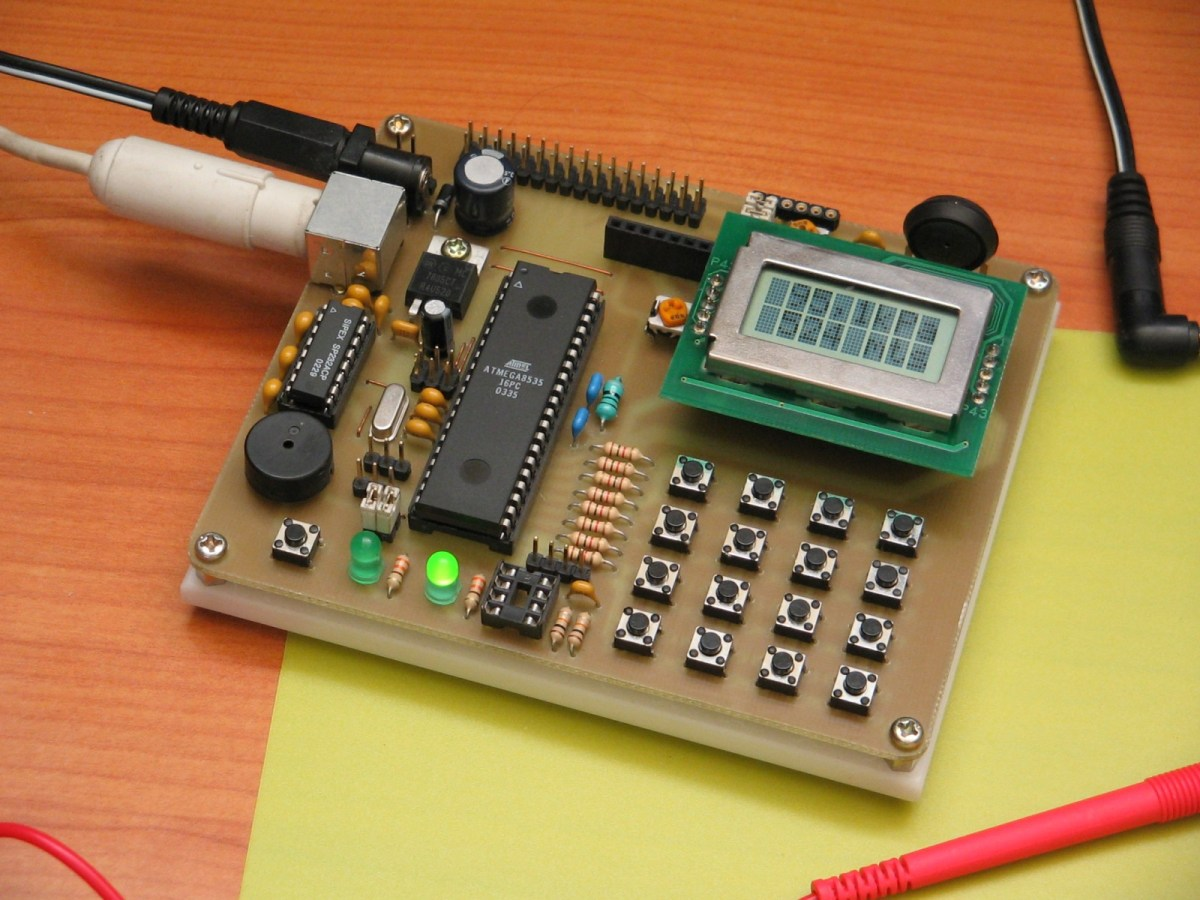 Avr Microcontroller Analog Comparator Circuit