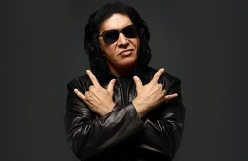 """Gene Simmons Kiss - Gene Simmons Praises Current KISS Members Over Ace Frehley & Peter Criss: """"No Drugs Nor Drinks"""""""