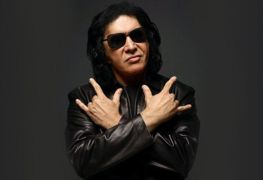 Gene Simmons Kiss - GENE SIMMONS Settles Sexual Battery Lawsuit With Female Journalist