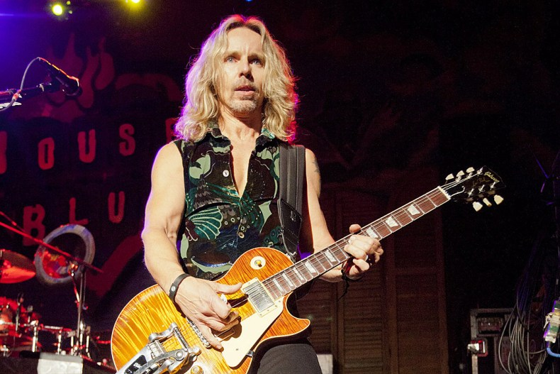"Tommy Shaw - STYX's Tommy Shaw Rules Out Reunion With Dennis DeYoung: ""I Want To Be Happy"""