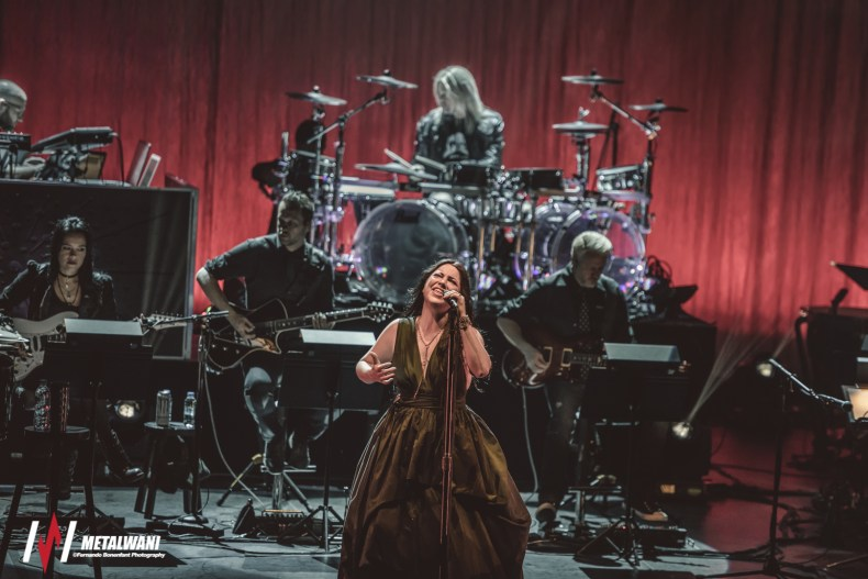 evanescences 16 - GALLERY: EVANESCENCE - Synthesis Live With Orchestra at Royal Festival Hall, London