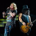 GUNS N ROSES GNR - Watch FOO FIGHTERS Surprise Fans By Bringing Out GUNS N' ROSES Live in Concert