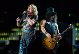 GUNS N ROSES GNR - FESTIVAL REPORT: GUNS N' ROSES Announced As First Headliner For LOUDER THAN LIFE 2019 Edition