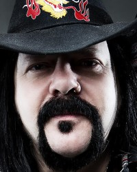 Vinnie Paul - Watch Korn, Godsmack, Megadeth Members Pay Tribute To VINNIE PAUL At Aftershock Festival