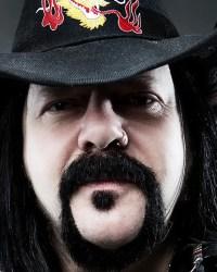 Vinnie Paul - Watch Korn, Godsmack, Megadeth Members Pay Tribute To VINNIE PAUL At Aftershock Festival