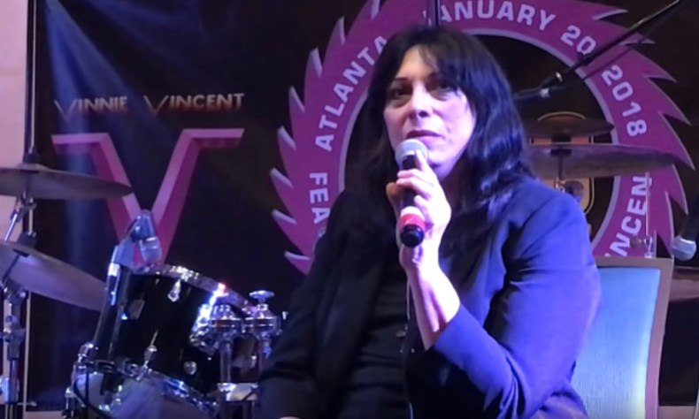 Vinnie vincent kiss - Vinnie Vincent Talks Expecting A Call From KISS To Join Them On Their Farewell Tour