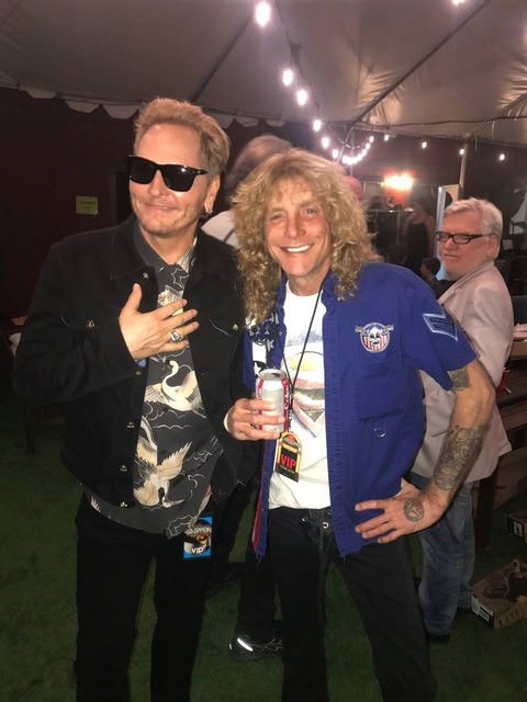 TiDyXDXl - Ex-GUNS N' ROSES' Members Cross Paths At FOREIGNER Gig