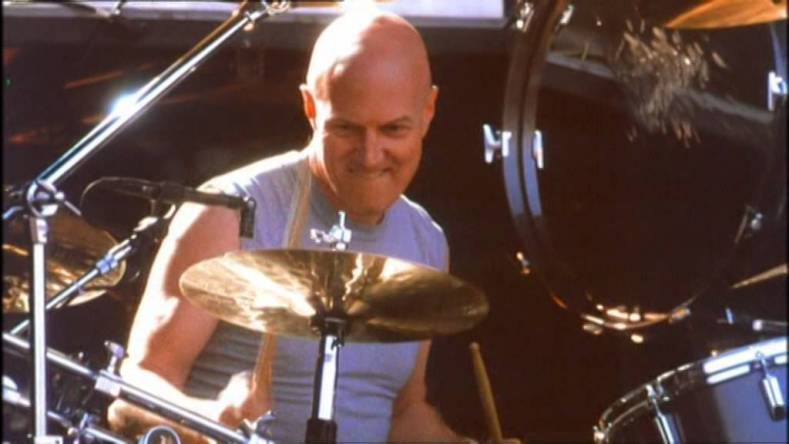 "chris slade - CHRIS SLADE on Being Replaced By PHIL RUDD:  ""AC/DC Should Have Auditioned Him Before Replacing"""