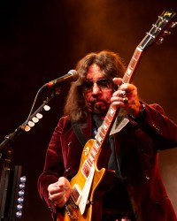 "AceFrehley 8 - Ace Frehley: ""I Heard About That New Group, Greta Van Something. Supposedly They Sound Like Zeppelin"""