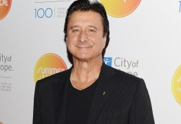 """Steve Perry - JOURNEY's Steve Perry Opens Up on Abandoning Music: """"I Had Lost That Deep Passion in My Heart"""""""