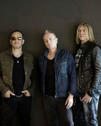 def leppard - Who Should Induct DEF LEPPARD Into ROCK AND ROLL HALL OF FAME? Guitarist Phil Collen Reveals