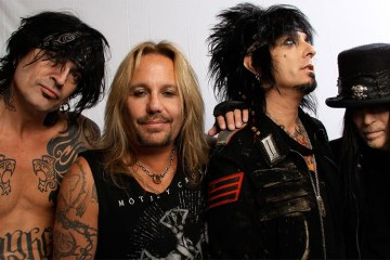 motley crue - MOTLEY CRUE Member Ensures Reunion Tour Stage Production Would Be F*ckin Insane
