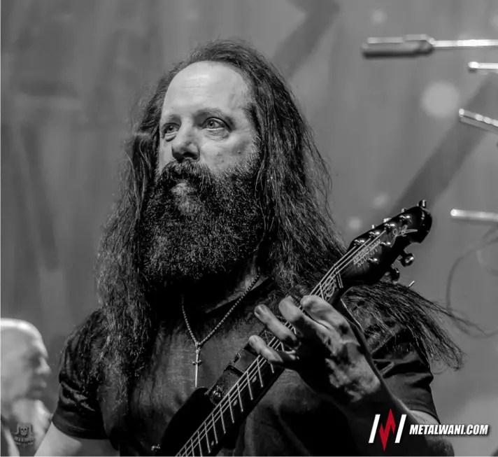 Dream Theatre 34 MW - DREAM THEATER's John Petrucci Reveals The Guitarist He's Jealous Of