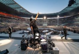 Metallica - Environmental Group Slams METALLICA Fans Over The Amount Of Plastic Left Behind