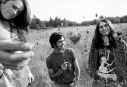 """Nirvana - Dave Grohl Says He Still Dreams Kurt Cobian Is Alive: """"It's a Cathartic, Complicated & Sad Feeling"""""""