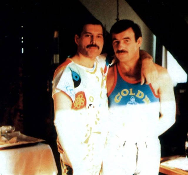 "freddie mercury jim hutton - Reliable Source Recalls FREDDIE MERCURY's Final Days When Newspaper Published His Story: ""All The QUEEN's Men"""