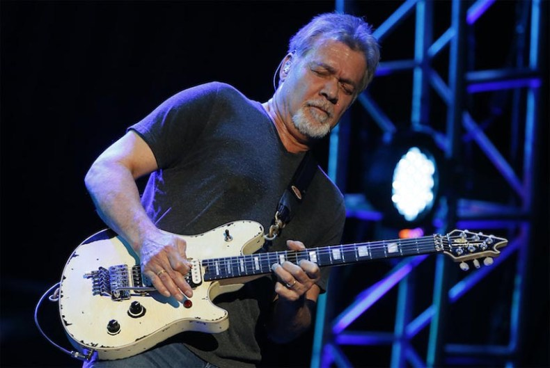 Eddie Van Halen - VAN HALEN Singer David Lee Roth Addresses Eddie Van Halen's Health Issues