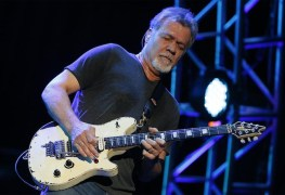 Eddie Van Halen - Sources Reveal EDDIE VAN HALEN Is Fighting Throat Cancer; Travelling To Germany For Treatment