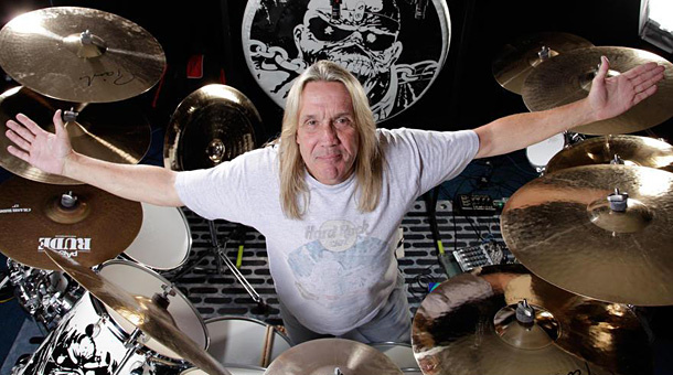 nicko15 - Nicko McBrain Recalls When Adrian Smith Wanted Double Bass Drumming on IRON MAIDEN Song