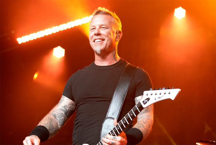"james hetfield - GUNS N' ROSES Member To James Hetfield: ""The Disease Of Alcoholism Doesn't Discriminate"""