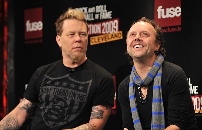 "james hetfield and lars ulrich - METALLICA's Lars Ulrich Addresses James Hetfield Rehab: ""Time For Self Healing"""
