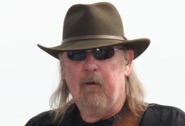 "larry junstrom - Legendary LYNYRD SKYNYRD's Founding Bassist Larry ""L.J."" Junstrom Dead At 70"