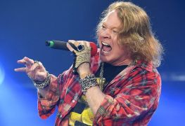 axlrose - AXL ROSE Criticizes Protesters And Officials Denouncing California's Beach Closures