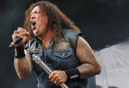 Chuck Billy - TESTAMENT's Chuck Billy Confirms DEATH ANGEL's Will Carroll Is On A Ventilator In ICU