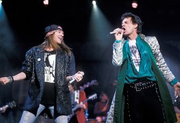 axl mickjagger - Manager Recalls Calling Police After Axl Rose Locked Himself During GUNS N' ROSES Tour With ROLLING STONES